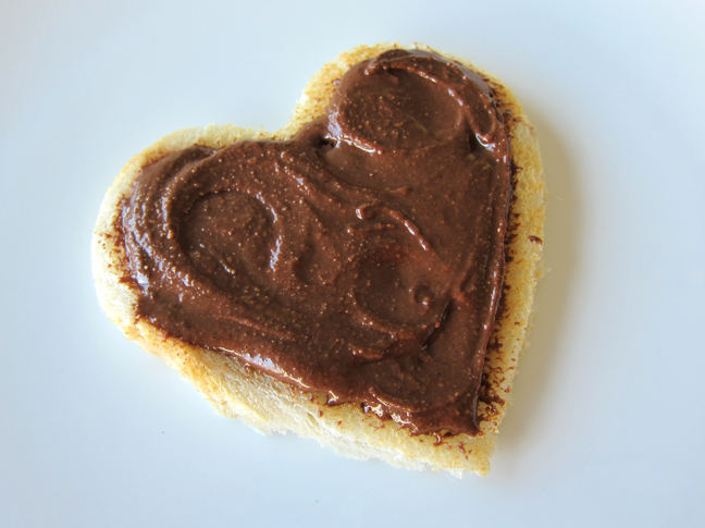 Justin's Chocolate Hazelnut Butter on toast. Yummy! Photo by Ossa.